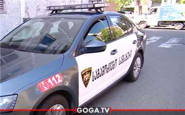 საპატრულო პოლიციის მანქანა ფეხით მოსიარულეს დაეჯახა - საგზაო შემთხვევა თბილისში