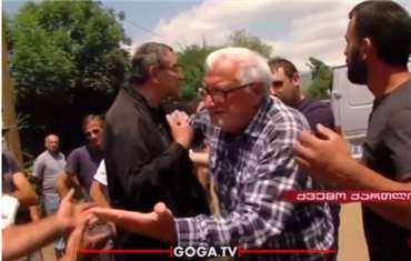 ქვემო ქართლში TV პირველის ჟურნალისტს და ოპერატორს თავს დაესხნენ